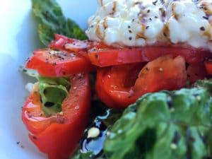Crunchy Romaine Bell Pepper Salad