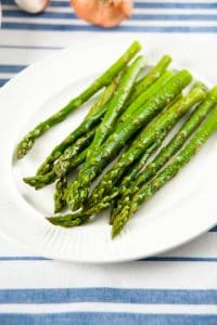 Grilled and Seasoned Asparagus